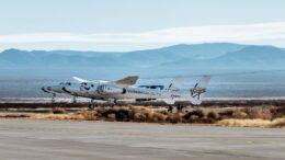 Il primo volo di prova a motore di SpaceShipTwo da quando si è trasferito in New Mexico si esaurisce
