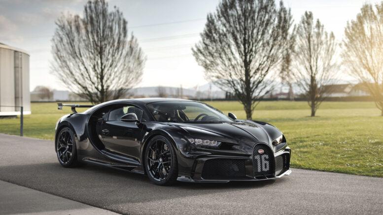 La 300a Bugatti Chiron è uno sport minaccioso