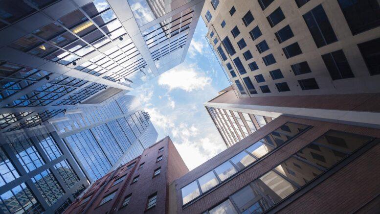 Valuta le opportunità di investimento immobiliare utilizzando: chi, cosa, quando
