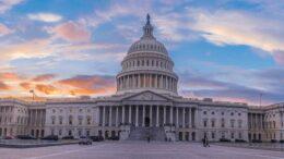 Investi come i membri più ricchi del Congresso per ottenere grandi guadagni